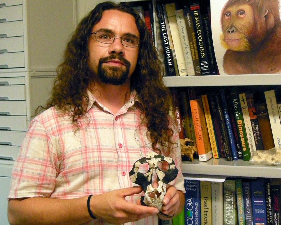 Oinvestigador David M. Alba (foto: divulgação /ICP - Institut Català de Paleontologia Miquel Crusafont)