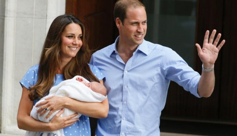 Kate e William com o príncipe George