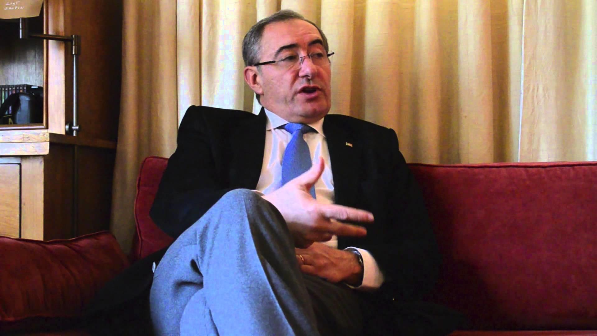 O secretário de Estado das Comunidades Portuguesas, José Cesário (foto: reprodução / YouTube)