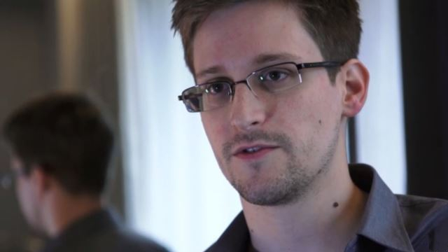 Edward Snowden, ex-analista informático da NSA (foto: Laura Poitras / Wikimedia)