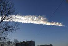Rasto do meteorito que caiu em Chelyabinsk, 3 minutos após a explosão