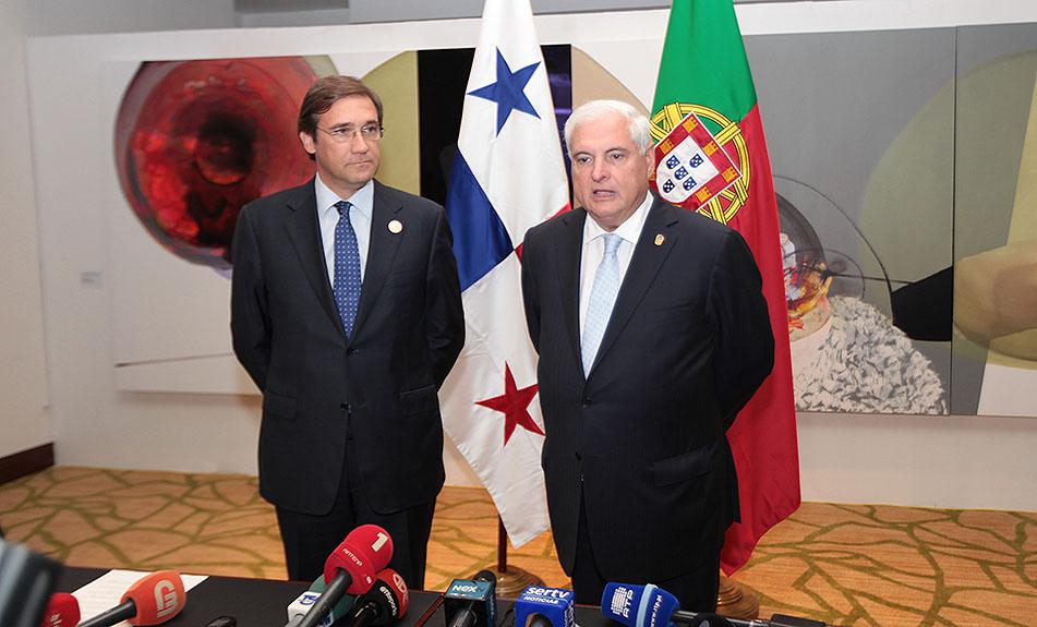 O presidente do Panamá, Ricardo Martinelli, num encontro bilateral com  Pedro Passos Coelho. (foto: presidencia.gob.pa)