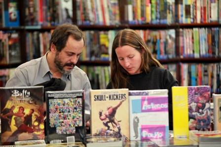 Paulo Monteiro e Susa Monteiro no 'Mundo Fantasma' (foto: facebook/livrariamundofantasma)