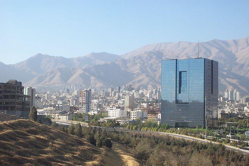 Vista de Teerão, no Irão (foto: Ensie & Matthias / flickr