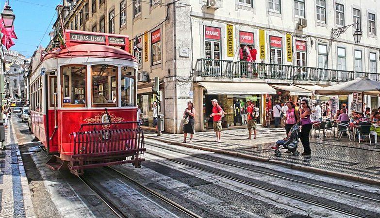 Elétrico na baixa de Lisboa