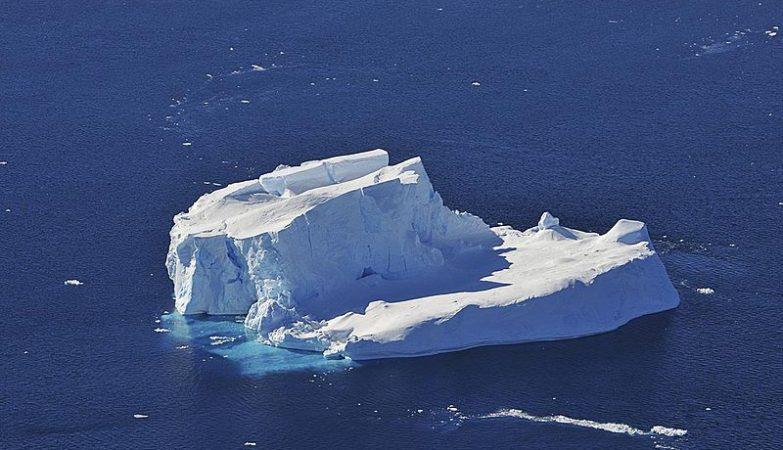 Iceberg à deriva no Mar de Amundsen, na Antárctica