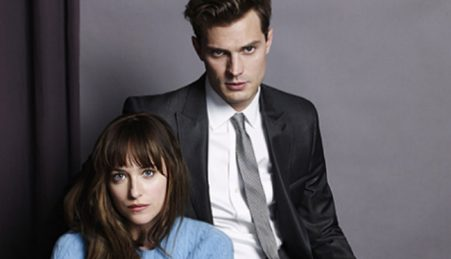"Jamie Dornan e Dakota Johnson como Christian Grey e Anastasia Steele na ""Entertainment Weekly"""
