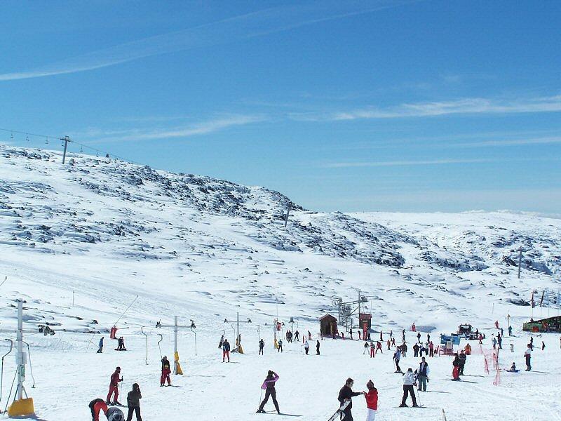 Há neve na Serra da Estrela (foto: sacavem / wikimedia)