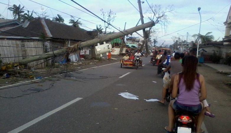 Passagem do super tufão Haiyan nas Filipinas