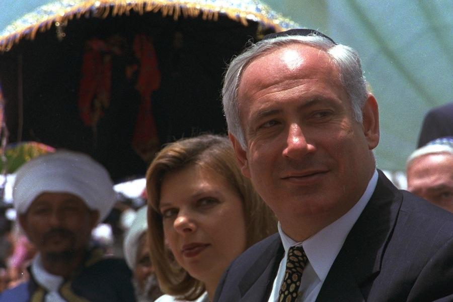 Primeiro Ministro de Israel, Benjamin Netanyahu, e a mulher, Sara (foto: GPO / Israel)