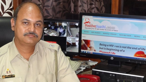 Anil Valiv fundou o PositiveSaathi.com in 2006 (foto: BBC)