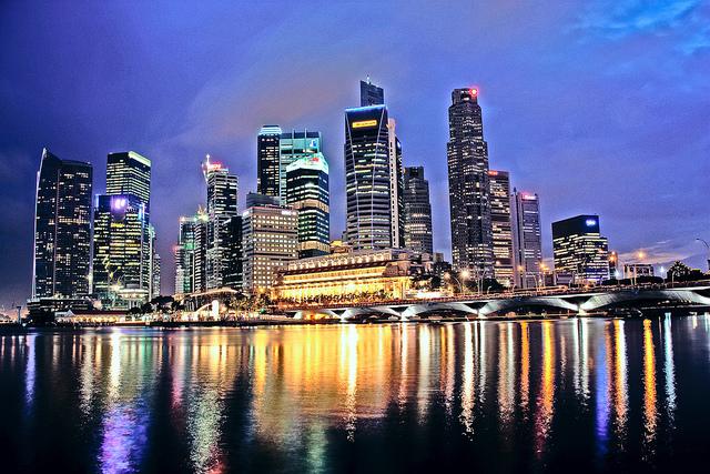 Singapore (photo: flickr.com/jjcbaron)