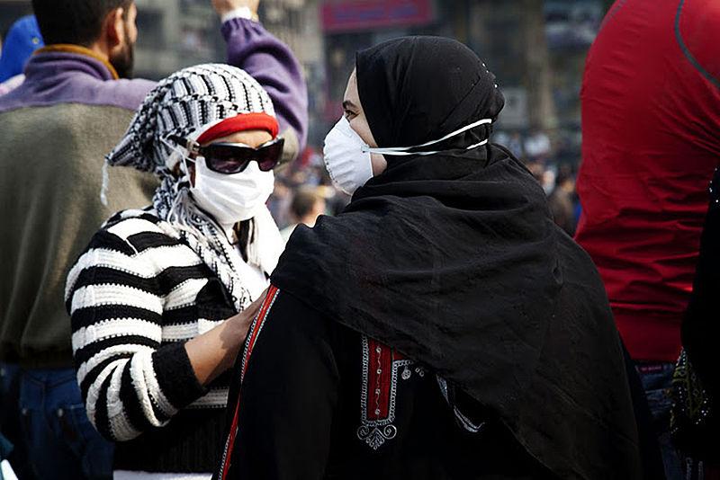 Manifestantes na praça Tahrir no Cairo, Egipto