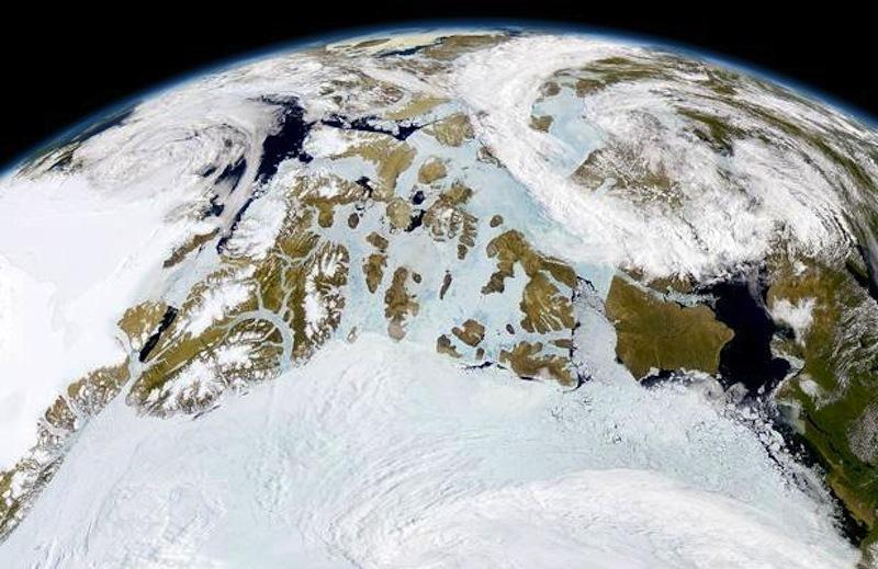 O Ártico fotografado po um satélite em órbita baixa (foto: NASA)