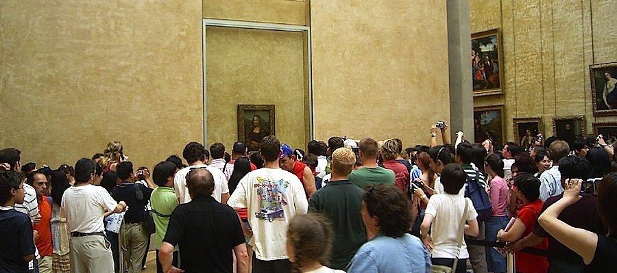 A Mona Lisa no Louvre em 2005