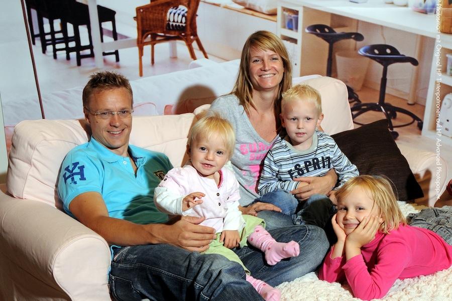 Família sueca, tal como retratada na capa do catálogo IKEA de Agosto de 2009