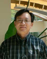 O professor Yu Shaocai,  da Universidade de Zheijang