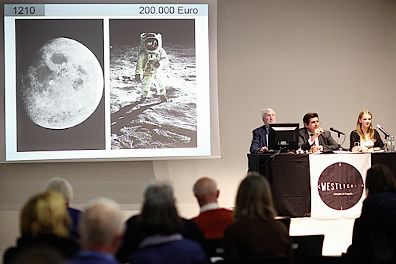 A Westlicht vai leiloar a máquina Hasselblad que foi à Lua numa missão Apollo