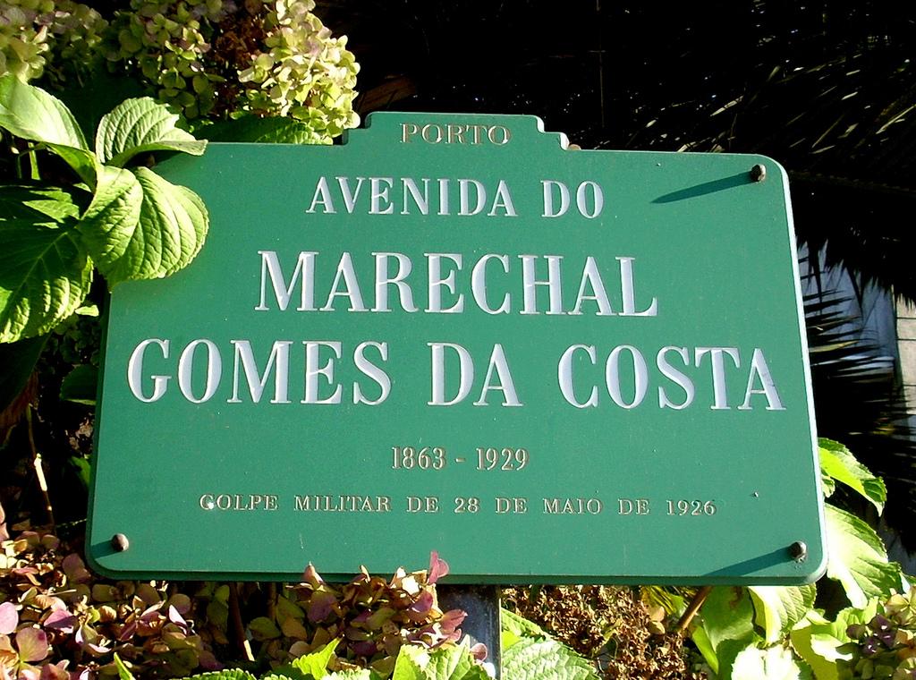 Placa Avenida Marechal Gomes da Gosta - Porto