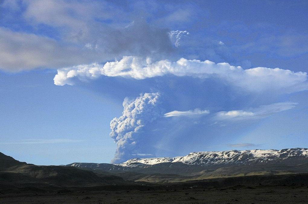 Depois do Eyjafjöll, também o Grimsvötn entrou em erupção