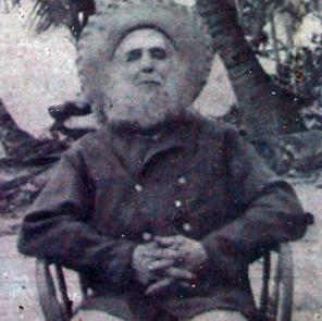 Mudou-se para Palmerston com a função de administrar a ilha em 1863 e plantou coqueiros para produzir óleo de coco Em 1892, obteve a posse de Palmerston, concedida pela rainha Vitória