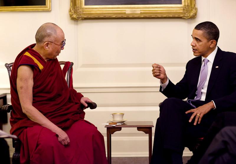 O presidente Barack Obama com Sua Santidade, o Dalai Lama: dois Nobel da Paz encontram-se na Casa Branca