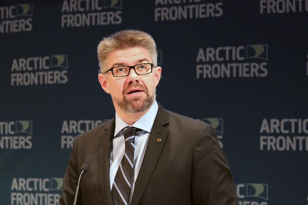 O ministro dos Negócios Estrangeiros da Islândia, Gunnar Bragi Sveinsson