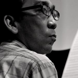 """Takashi Niigaki, o pianista e """"compositor fantasma"""" que na realidade compôs as últimas peças de Mamoru Samuragochi"""