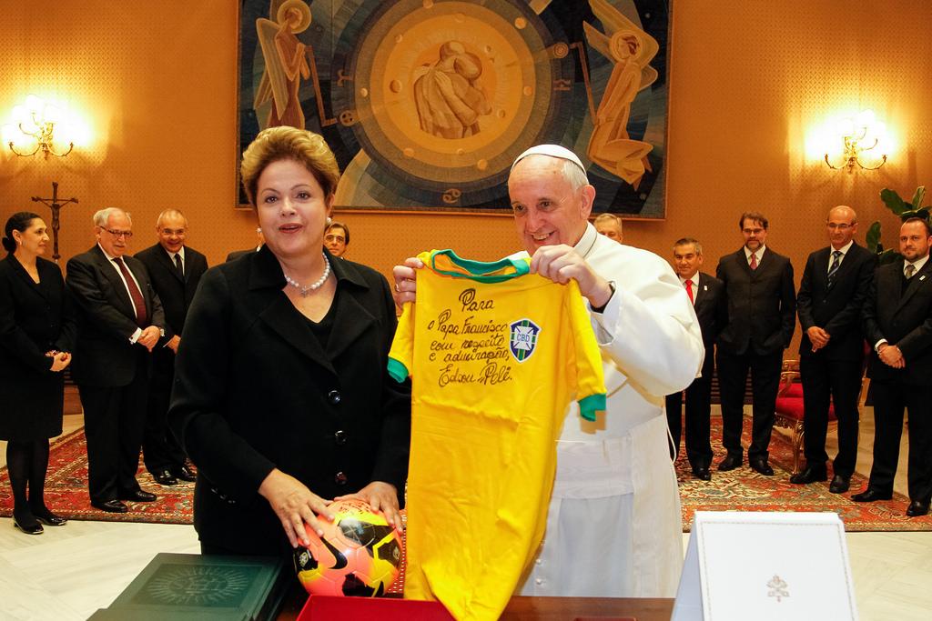 A Presidente do Brasil, Dilma Rousseff durante audiência com Sua Santidade o Papa Francisco.