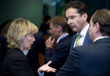 A ministra das Finanças, Maria Luís Albuquerque, com Jeroen Dijsselbloem, presidente do Eurogrupo