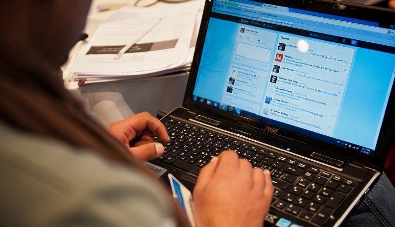 No Twitter, a informação falsa viaja mais depressa do que a verdadeira