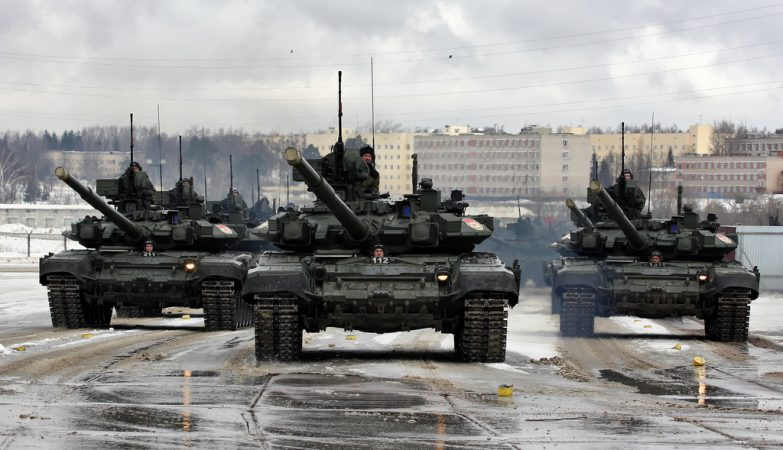 Tanques blindados T-90 do Exército da Rússia