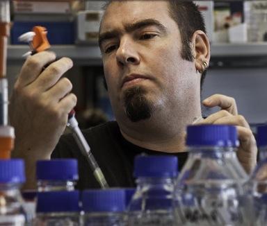 José Luis Gómez Skármeta, investigador do Centro Andaluz de Biología Molecular/CSIC
