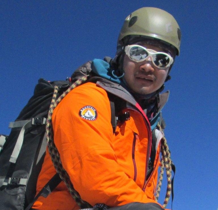 """O guia sherpa nepalês Tul Singh """"Tulsi"""" Gurung"""