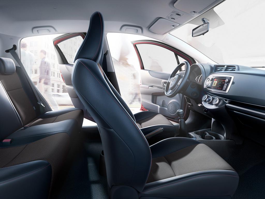 Toyota Yaris 2011 Interior