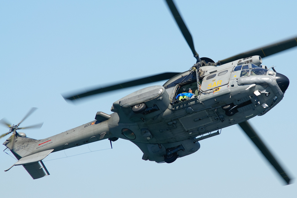 Helicóptero Eurocopter AS332 Super Puma da Marinha espanhola