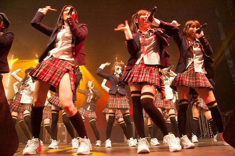 As AKB48 ao vivo em Paris na Japan Expo 2009