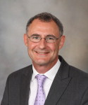 O hematologista da Mayo Clinic, Stephen Russell