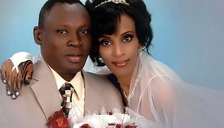Meriam Yahia Ibrahim Ishag  e o marido, Daniel Wani, no dia do seu casamento