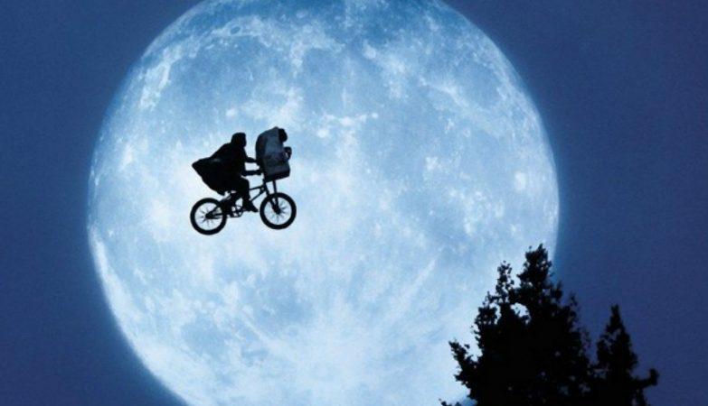 Imagem retirada do filme E.T., de 1982, do realizador Steven Spielberg