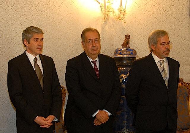 José Sócrates e Jaime Gama na tomada de posse de Joaquim de Sousa Ribeiro