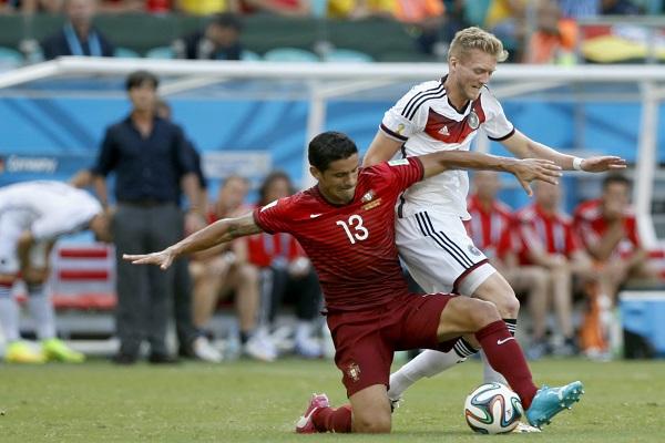 Ricardo Costa num lance do Portugal 0 - Alemanha 4, Mundial 2014