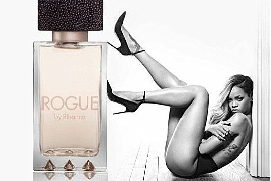 "Rihanna no anúncio do perfume ""Rogue"""