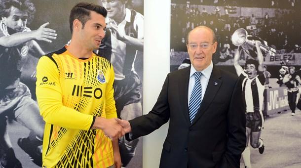 Andrés Fernández com o presidente Pinto da Costa