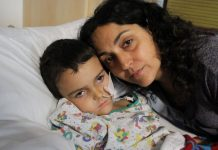 Ashya King, de 5 anos, está em tratamento contra um tumor cerebral