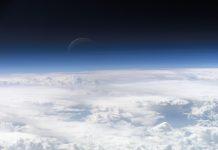 A parte superior da atmosfera, fotografada a partir da ISS