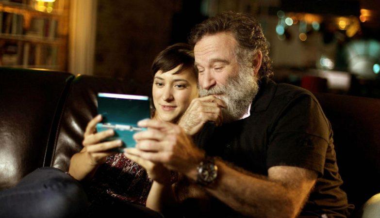 Zelda Williams, filha do actor falecido Robin Williams, fechou a sua conta no Twitter após ter sido inundada de fotografias do pai, manipuladas e ofensivas.