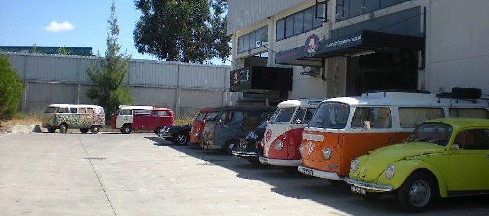 Nas carrinhas que chegam à Vintage Vans não há nenhum parafuso que não seja zincado nem uma peça que não seja cromada.