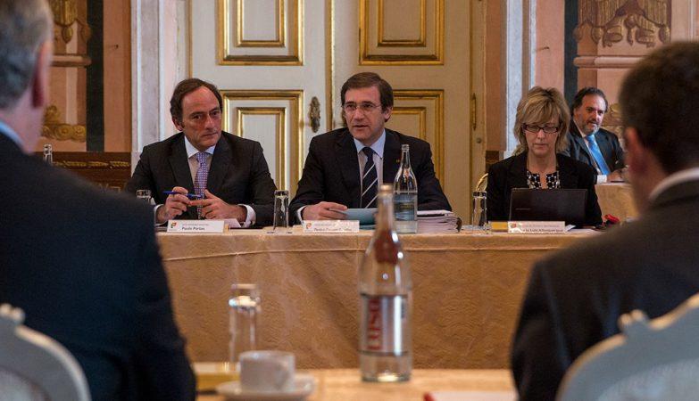 O Primeiro-ministro, Pedro Passos Coelho, com o vice-Primeiro-ministro Paulo Portas e a ministra das Finanças Maria Luís Albuquerque