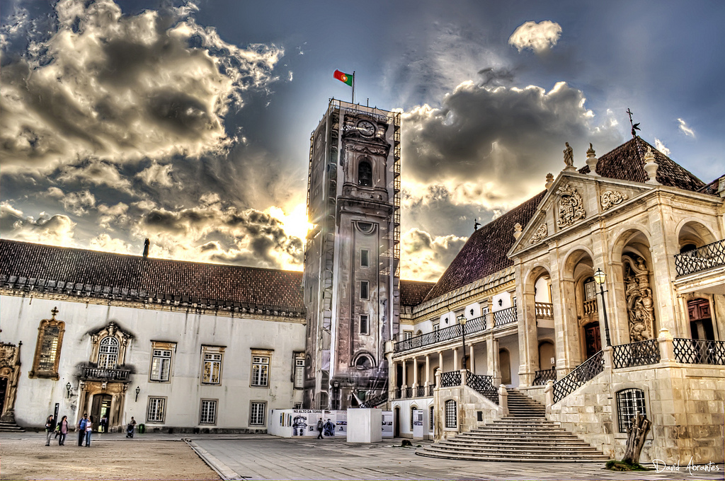 Resultado de imagem para Universidade de Coimbra